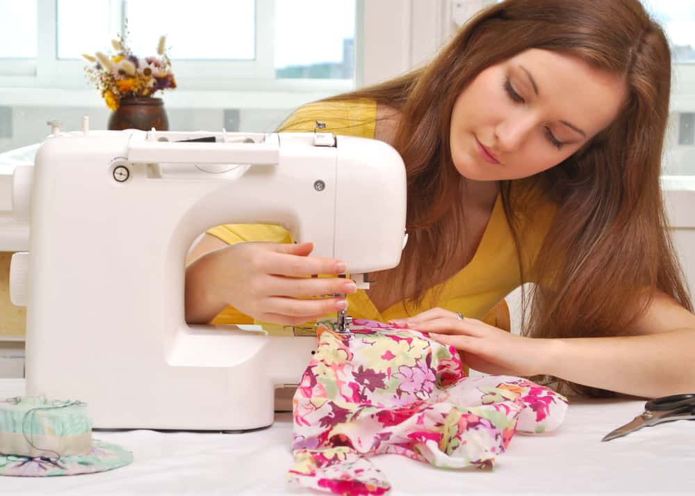 The Best Sewing Machines For Beginners She Likes To Sew Cool 4 Pics 1 Word Woman With Scissors Sewing Machine